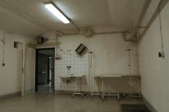 032-Jeden-z-pokojů-hned-za-sálem