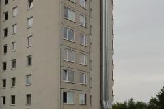 001-Jeden-z-tuctových-paneláku-na-sídlišti-Černý-most