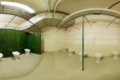 012-V-jedné-z-bočních-místností-jsou-i-suché-záchody