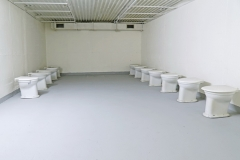 014-Armáda-suchých-záchodů