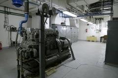 018-Ve-vedlejší-místnosti-nalezneme-agregát-šestiváclec-o-výkonu-160kW